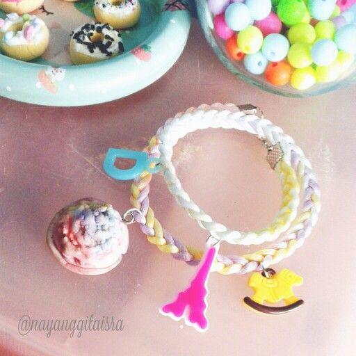 ice cream scoop charm in pastel jewelry #pastel #fakesweets #deco #handmade #bracelet #clayart #coldporcelain