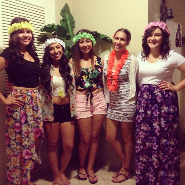 Hawaiian themed party. 19th birthday party ideas. Hawaiian outfit