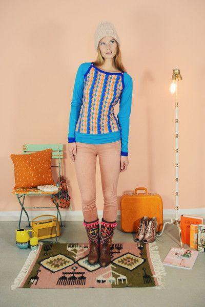 "T-SHIRT SPORTY LANGARMOBERTEIL  ""BUDAPEST"" BLAU von Bonnie & Buttermilk auf DaWanda.com #shirt #tshirt #langarmshirt #bobbieandbuttermilk #pulli #pullover #fashion #mode #retro #siebziger #local #handmade #berlin"