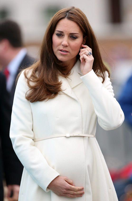 La Duquesa de Cambridge y su avanzado embarazo acaparan todas las miradas en su reaparición