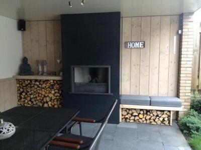 Foto: gave haard en sloophouten wand.. Geplaatst door hethippehuis op Welke.nl