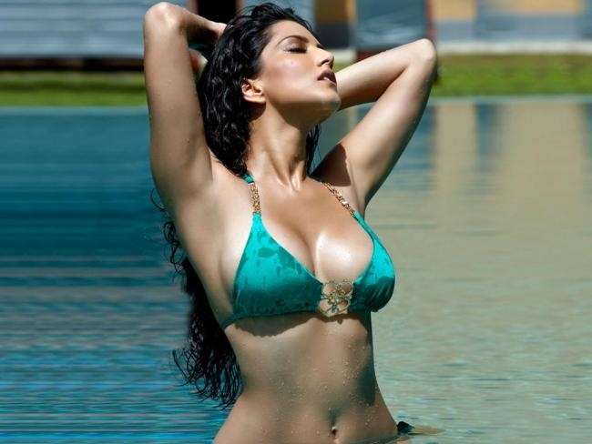 Sunny Leone's Latest Bikini photos from Jism 2
