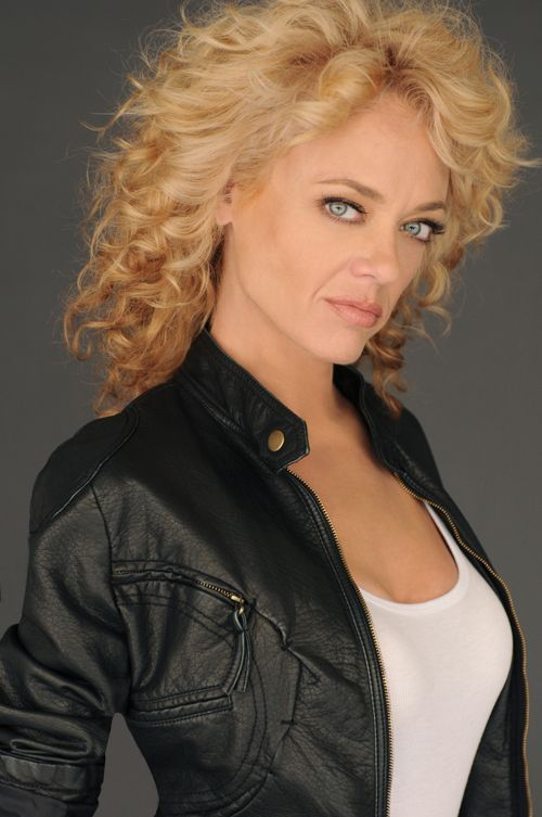 That '70s Show Actress Lisa Robin Kelly Dies at Age 43