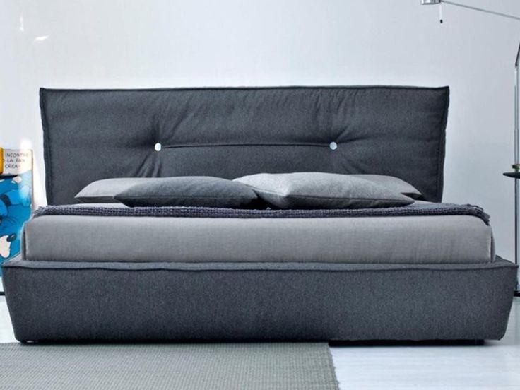 Un pat epic cu particularitati unice. Acesta este sculptat in linii surprinzatoare create de moliciu - Pret : 20446 lei