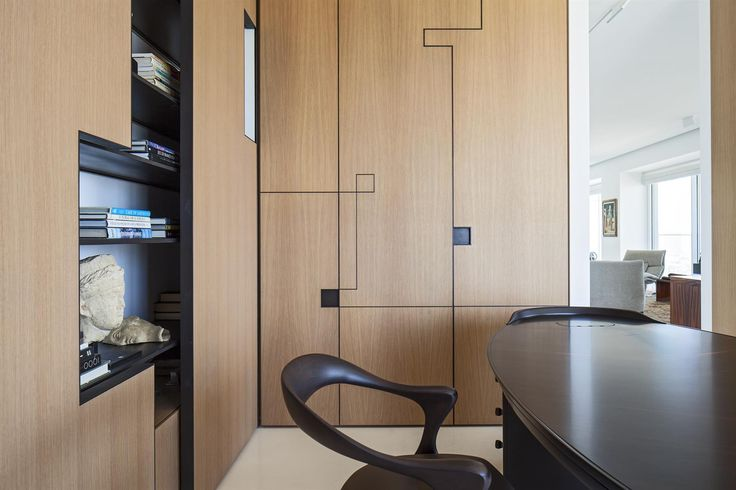The art collector apartment 2 - Pitsou Kedem