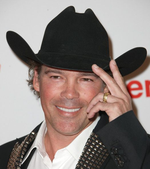 """Clay Walker Photo - 19th Annual Race To Erase MS -""""Glam Rock To Erase MS"""" - Arrivals"""