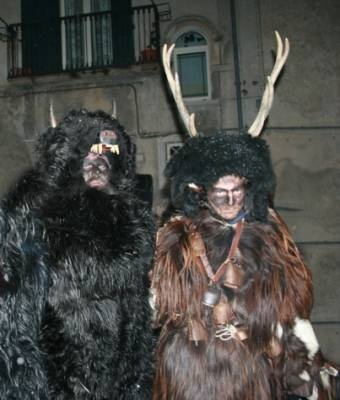 At Castelnuovo del Volturno near Rocchetta al Volturno a man is dressed as a deer andis eventually caught by a hunter performing ceremonial #rituals - #Abruzzo #AbruzzoRuralProperty