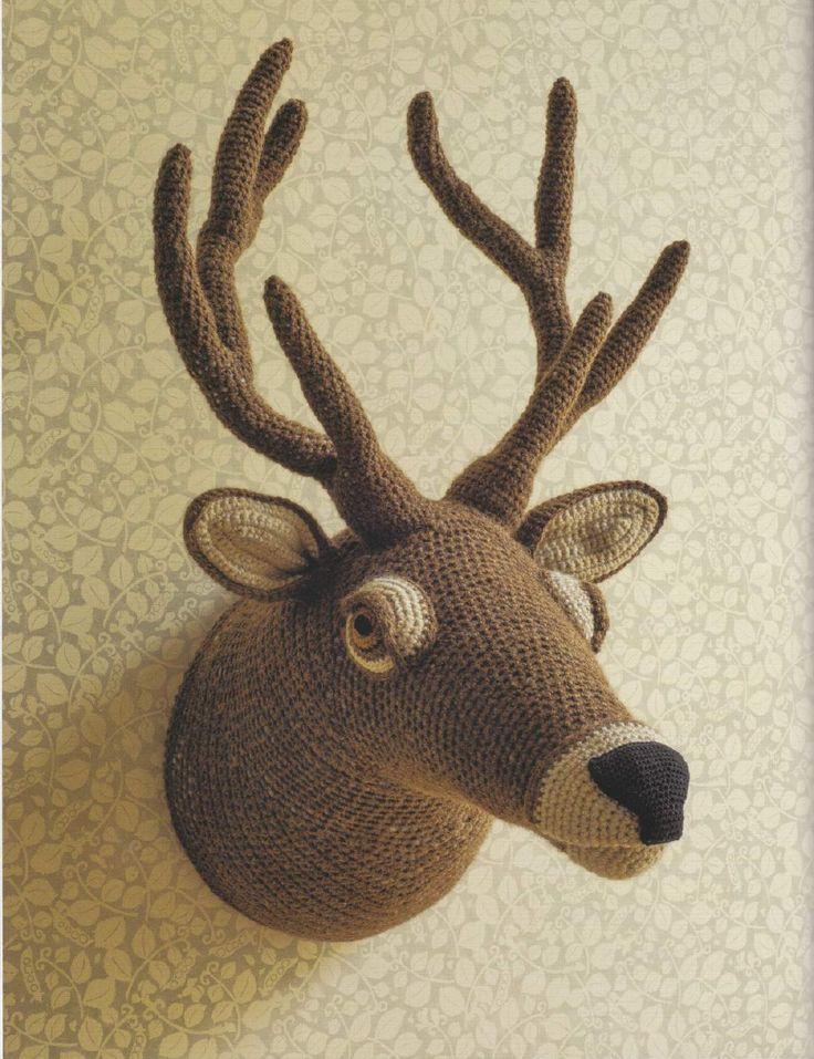 """Вязаный крючком настенный декор """"Голова оленя"""""""