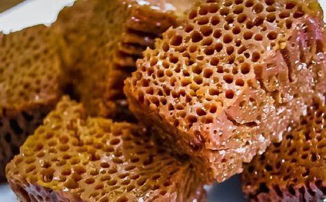 Молдавская бабка нягрэ — одно из семи сладких чудес света! Напоминает соты с мёдом…
