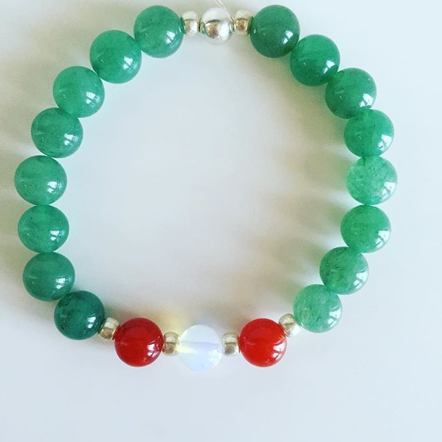 ♋️ Cancer bracelet: Aventurine, Carnelian, Moonstone, Czech rocailles, Silver Price EUR 20 (plus EUR 4 for international registered shipping, and EUR 4 for optional gift package). For your personal bracelet, contact me on e-mail in bio.  #bracelet #bracelets #semipreciousstones #cancer #zodiac #sign #aventurine #moonstone #carnelian #silver #armcandy #armparty #jewellery #jewelry #jewellerymaking #jewellerybrand #jewellerydesign #czechbrand #ombljewellery #dowhatyoulove