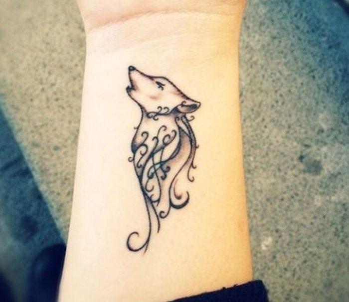 stilisierter heulender Wolf-Tattoo Design für Männer und Frauen