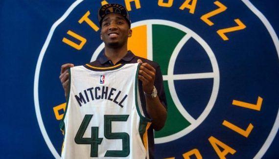 Utah Summer League : Donovan Mitchell refroidit Jayson Tatum -  Star de la Summer League d'Utah avec ses 22 points de moyenne, ses dunks, et son premier game winner, Jayson Tatum est redescendu sur terre la nuit dernière. Ou plutôt,… Lire la suite»  http://www.basketusa.com/wp-content/uploads/2017/07/donovan-mitchell-1-570x325.jpg - Par http://www.78682homes.com/utah-summer-league-donovan-mitchell-refroidit-jayson-tatum homms2013 sur 78682