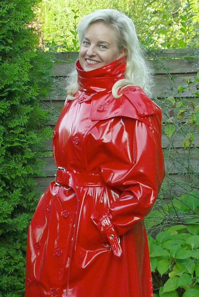 Long Shiny Red Pvc Trenchcoat Rimo Regenkleidung