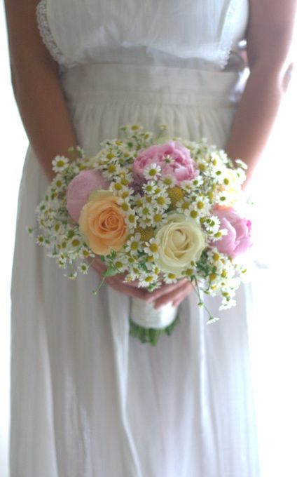 Summer Relaxed Style Wedding Flowers Pastel Shades Daisy Peonies Large Roses Bouquet Fete Meadow