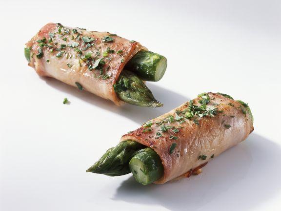 Grüner Spargel im Schinkenwickel ist ein Rezept mit frischen Zutaten aus der Kategorie Sprossgemüse. Probieren Sie dieses und weitere Rezepte von EAT SMARTER!
