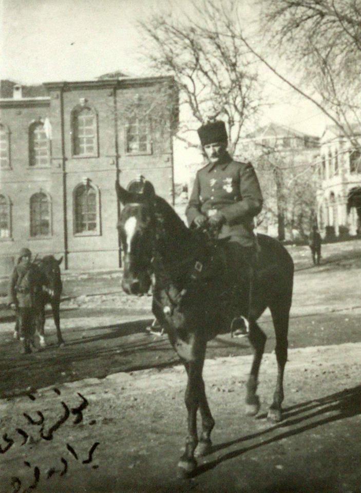 Mustafa Kemal.1917 de.2. ordu komutanı olarak bulunduğu Diyarbakır da.