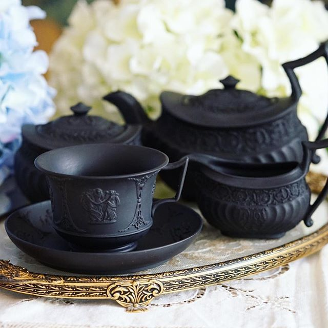 Pure black Wedgwood teapot + milk/sugar plus the matching teacup! #antique…