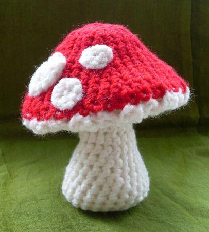 Little Crochet Mushrooms - Free Pattern!