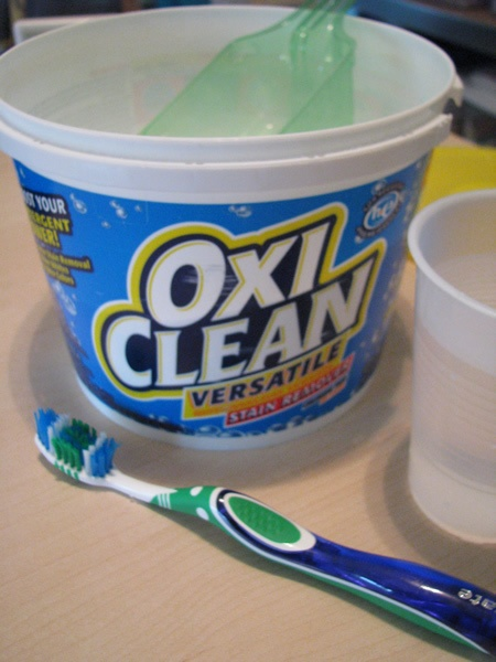 How To: remove yellow underarm stains with Oxi-Clean