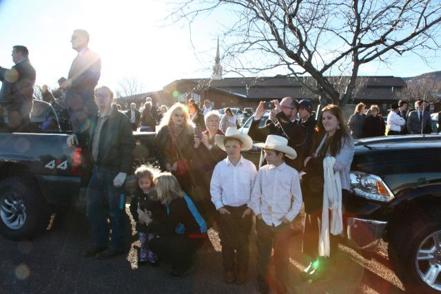 2/5/16  More than a thousand mourners poured into Kanab, Utah, a tiny town on the border with Arizona, to celebrate the life of a rancher who died in a traffic stop in Oregon.
