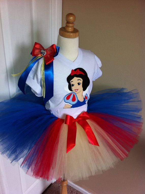 oh yea....this just happened.  On it's way to Viv.  She will wear it for her first trip to Disney (since she was 9 months old)!!!  So excited!
