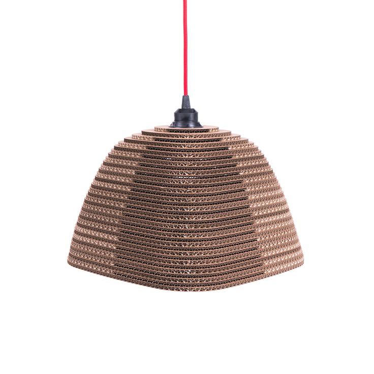 The shade lets light through perpendicularly in eight directions, which creates an unusual light effect. The play of light that never stops being entertaining. It finds its place above a table or a bar. Choose a pendant cable with the shade to fit your room.