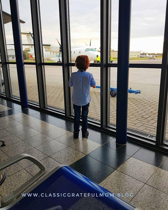 Mama ich werde mal Pilot!💕🛩💕🛩#airport #mannheim #metropolregion #rheinneckar #sylt #berlin #hamburg #kulturmachtstark #kulturerlebenmitkindern #potd #instafly #instapilots  #flughafenmannheim #lebenmitkindern #reisenmitkindern #buisness #südwestdeutschland #rheinneckarair #classickids #jacadi #bloggermama  @rheinneckarair