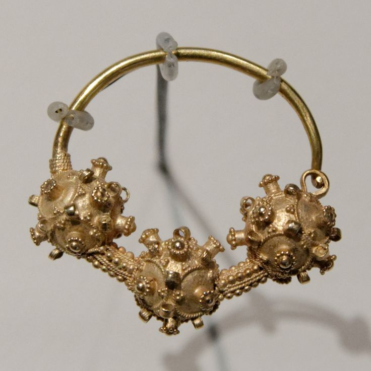 Gold earring found in Croatia, 1300-1350 Earring, one of a pair found during excavations near the Church of Holy Salvation near the spring of the Cetina river in Croatia.