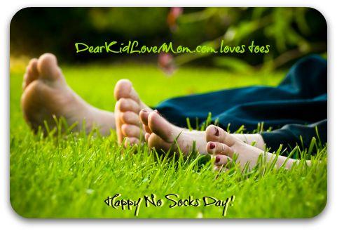 http://mkthlth2.digimkts.com  Thank god for zetaclear  toe fungus remedies  Gotta love toes. Happy No Socks Day. DearKidLoveMom.com