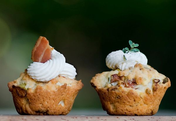Mini Bacon Herb Cupcakes with Cream Cheese Frosting- framedcooks, who makes the best food ever- says this is the best appetizer she's ever made, so it must be goodCream Cheese Frostings, Minis Bacon, Brunches Parts, Herbs Cupcakes, Bacon Recipe, Savory Cupcakes, Minis Cupcakes, Cream Chees Frostings, Bacon Herbs
