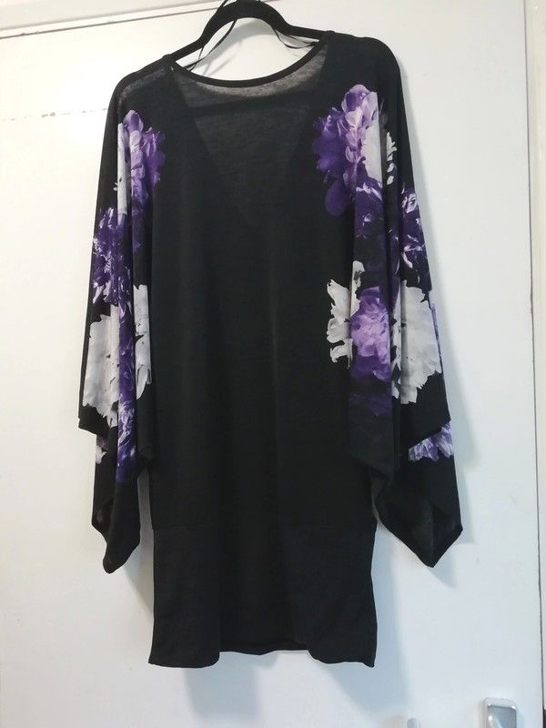 a20115c0a2 Large kimono sleeves . Low back v-neck . White, purple, grey, black In  great pre-loved condition. Delivery by Royal Ma.