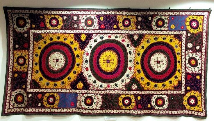 26 suzani_embroidered_textile_ethnic_style_boho_gypsy_interior_design_home_decor_asia_inspirations_styl_etniczny_kolorowe_wnetrze_forelements_blog