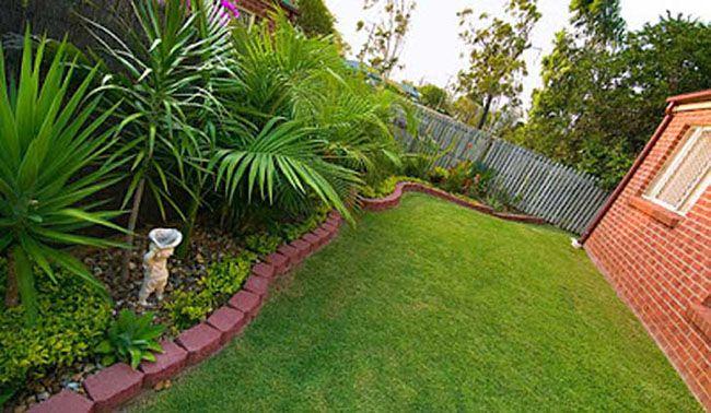 Jardim com grama japonesa
