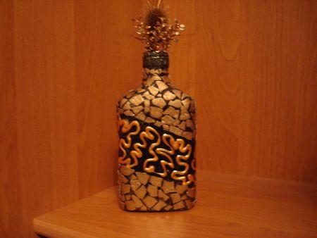 Украсить бутылки  из яичной скорлупы
