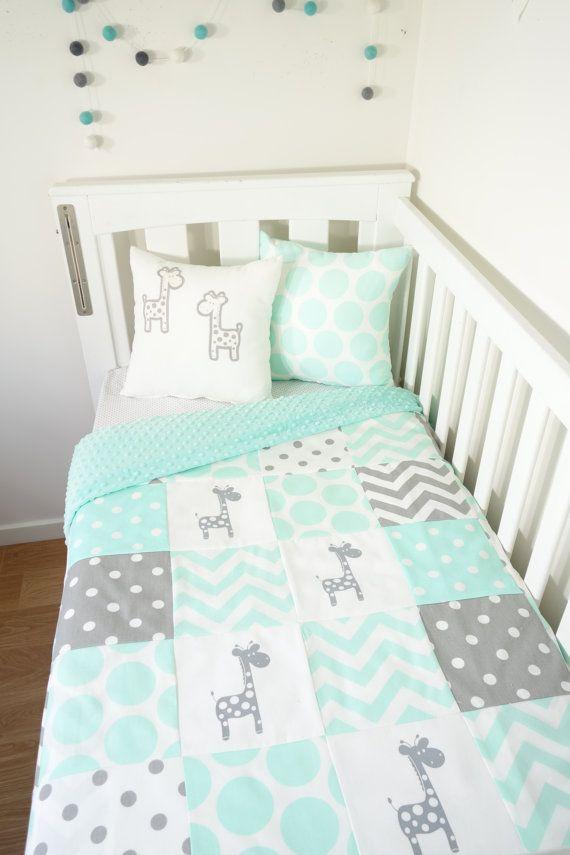 Patchwork quilt nursery set - Mint and grey giraffes (Mint minky quilt backing)