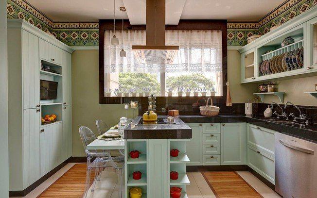 cozinha pequena com ilha no meio - Pesquisa Google