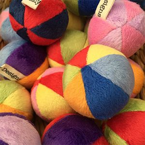 Why should dogs have all the fun!?  These little round fleece balls are filled with fibre fill and your choice of Australia organic carnip or valerian.  Also available herb free.  They even have a little natural bounce for added fun!  Size: 5cm diameter