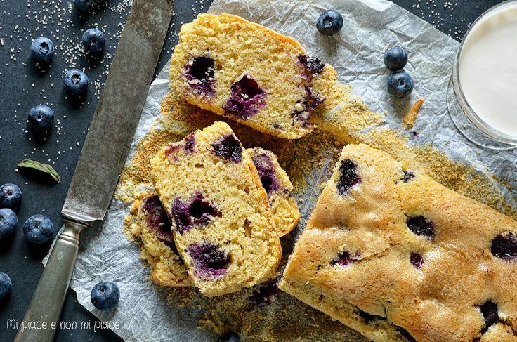 Mi piace e non mi piace: Cake con Farina d'Orzo Integrale, Latte di Mandorla e Mirtilli