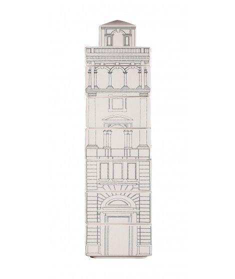 Torrione by Palace di Seletti è un set di 6 ciotole in ceramica decorate e impilabili. Una volta utilizzate e riposte creano un  torrione che diventa un elegante e diverso elemento di arredo.