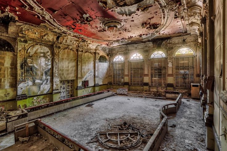 Lost Places in Europa: Ballsäle, Kinos und Aufzugschächte - SPIEGEL ONLINE - Reise
