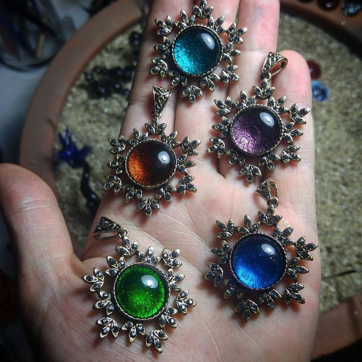 �� Alevin içinde şekillendirdiğimiz,hepsi birbirinden farklı el yapımı cam takı setleri. �� �� Sevdikleriniz için özel sipariş verebilirsiniz.  #camzadebursa #handmade #lampwork #glassart #glassofig #glass #art  #hediye #hediyelik #dogumgunu #dekor #sanat #sevgili #cam #takı #tesbih #instagram #bayanaksesuar #erkekaksesuar #aksesuar #necklace #necklase #kolye #yüzük #küpe #bileklik http://turkrazzi.com/ipost/1516128176673031666/?code=BUKXos8joXy