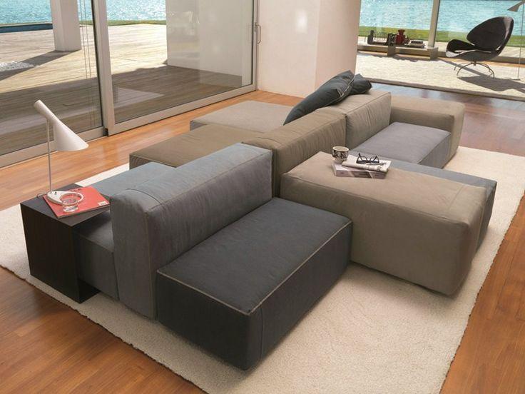 Ein Sofa In Grau Lässt Sich Je Nach Wunsch Inszenieren   Wir Zeigen Ihnen  50 Kreativ Gestaltete Wohnzimmer In Diversen Stilen Mit Designer Möbeln