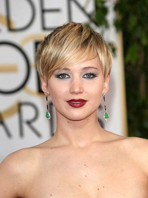 Jennifer Lawrence during Golden Globe Awards 2014 measurements 35-26-36 Best I could try for roughly 139 lbs