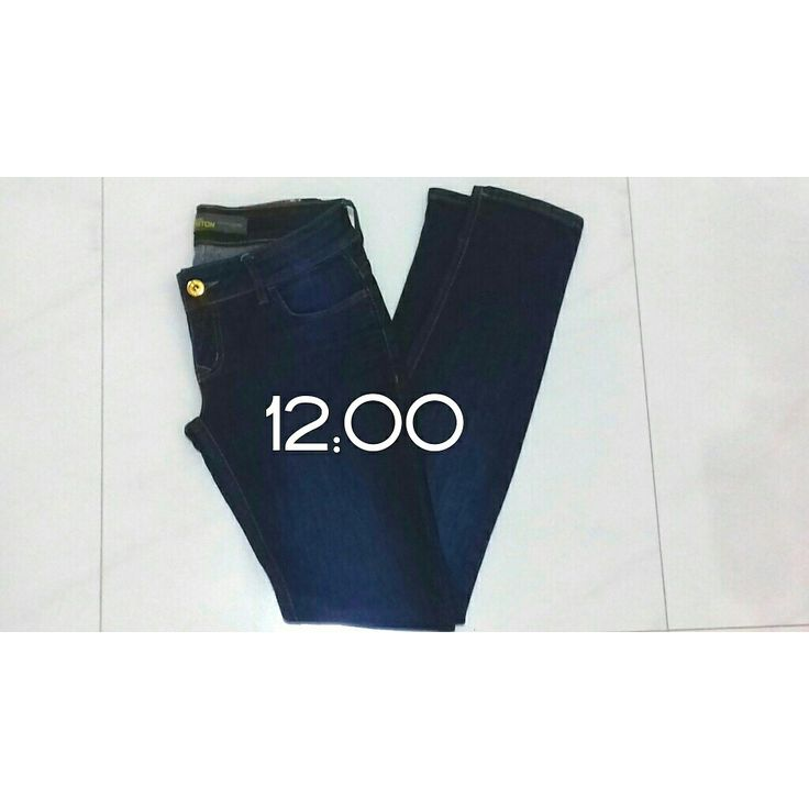 """vídeo novo no canal. """"Maneiras de guardar a calça jeans👖 (inclusive na mala de viagem)"""" #jeans #maladeviagem #organizando #organizacao #closet #armario"""