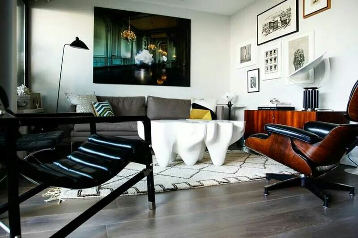 Eames lounge.  Contrast.
