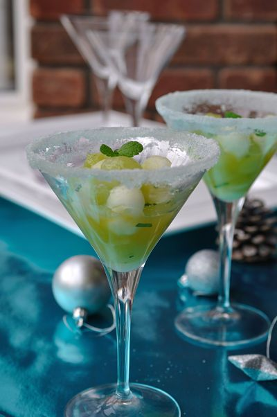 Google Image Result for http://gimmetherecipe.files.wordpress.com/2011/12/darina-allens-grape-and-melon-with-mint-glass_01_opt.jpg