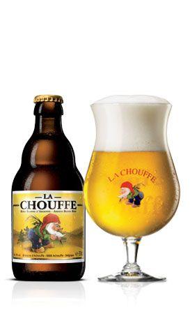 Blond bier uit de Belgische Ardennen  De brouwerij Achouffe, gelegen in het hartje van de groene Ardennen, werd opgericht in 1982 en is gespecialiseerd in het brouwen van speciale hoge kwaliteitsbieren. De topper, LA CHOUFFE, is een goudblond bier dat zich onderscheidt door zijn frisheid en fruitig aroma. Vervolgens bestaat er ook een bruine tegenhanger, de Mc Chouffe, met een donkere kleur en pikante smaak.