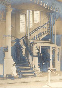 Interieur Maison de Bonneterie, vlak na de opening van het nieuwe gebouw in 1909.