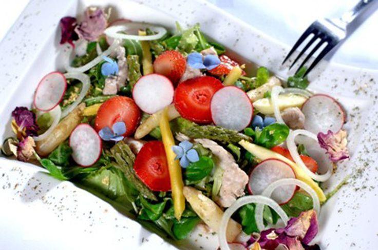 Salată de primăvară cu trei arome