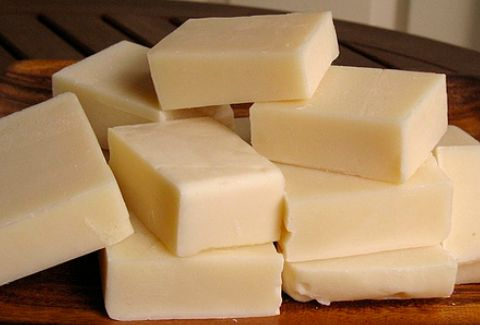 Take advantage of Filipinos' passion for skin whitening products. Make and sell your own glutathione soap. Here's how.